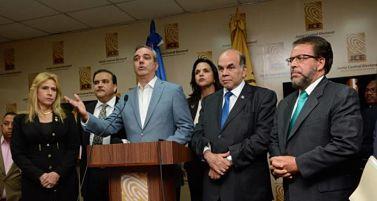 Oposición dispersa con 8 aspirantes presidenciales