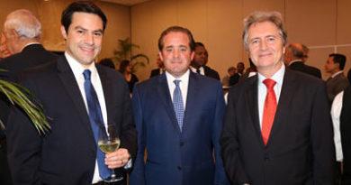 PRM intercambia impresiones con diplomáticos