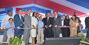 Presidente Danilo Medina entrega cuatro nuevos centros educativos en La Vega