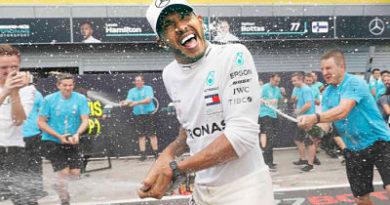 Hamilton se impone en Italia y extiende ventaja