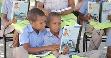 CEMEX Dominicana entrega útiles escolares a estudiantes en diferentes puntos del país