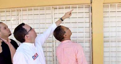 Ministro de Educación designa comisión para reparar escuelas afectadas por sismos