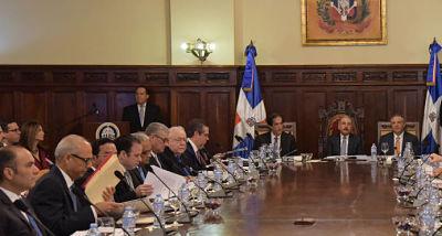 BID: funcionarios públicos en América Latina tienen sueldos muy altos