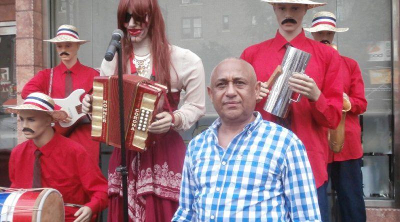 Los maniquíes de populares artistas dominicanos de Piro Espinal causan sensación en NY