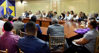 Jugada de consultas a bases del PLD aviva enfrentamiento Danilo-Leonel