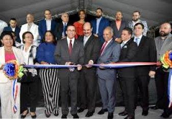 Ministro de Educación Andrés Navarro, asegura que la nueva escuela creará una sociedad de innovadores