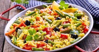 Paella vegetariana baja en calorías