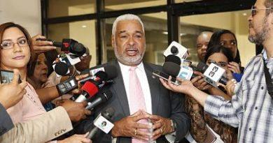 Radhamés Camacho manda a Comisión de Disciplina a diputados discutieron en sesión