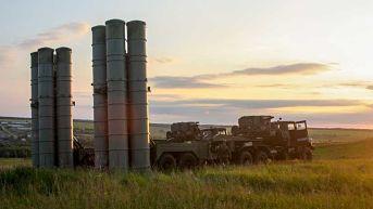 Rusia entrega los sistemas antiaéreos S-300 a Siria