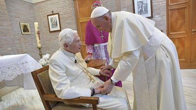 El Papa Francisco visita a Benedicto XVI en vísperas de la canonización de Pablo VI