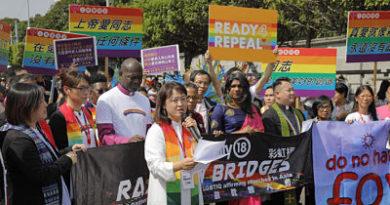 Matrimonio gay protagoniza en Taiwán la mayor marcha del orgullo en Asia