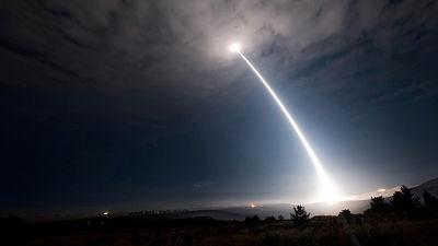 """""""Si EE.UU. sigue saliendo unilateralmente de los tratados, Rusia tomará medidas, incluso militares"""""""