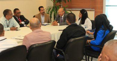 Viceministro de Calidad visita Ney Arias Lora y exhorta mantener la humanización en los servicios