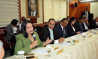Comisión Bicameral estudia proyecto Ley Régimen Electoral escucha propuestas de nueve partidos