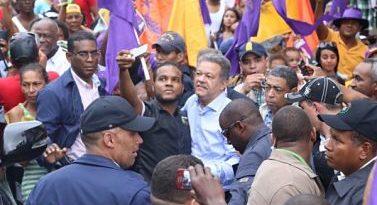 Leonel Fernández dice más de dos millones de ciudadanos respaldan su candidatura a la Presidencia