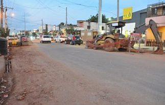 Polvo y tránsito complican la vida a residentes en el Ensanche Ozama