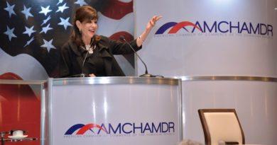 Embajadora de EE.UU. dice RD necesita mejorar leyes, transparencia y seguridad