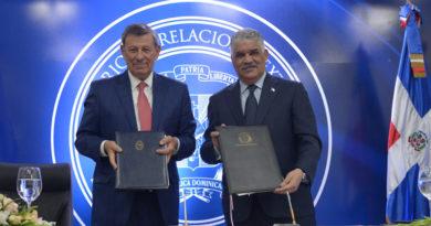 RD y Uruguay firman tres acuerdos en materias económica y migratoria