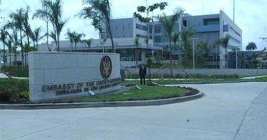Embajada de EEUU en RD alerta a sus empleados sobre viajes hacia Haití