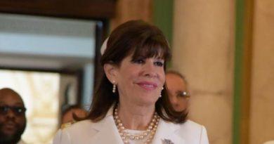 Embajadora de Estados Unidos en el país dice no tenía conocimiento de la llegada de Falcón