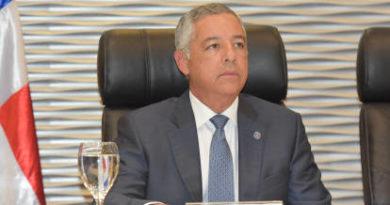 Gobierno busca RD$7,617 millones adicionales para Presupuesto 2018