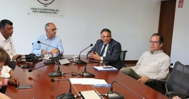 MAP presenta propuesta de Reforma Estructural del Estado a empresarios de Santiago