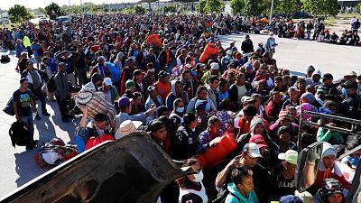 Más de 1.500 migrantes llegan a la frontera entre EE.UU. y México