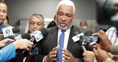 Radhamés Camacho afirma RD debe manejar asuntos fronterizos conforme a su Constitución