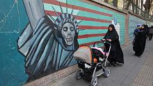 Personas, empresas, aviones y buques: La 'lista negra' de las nuevas sanciones de EE.UU. contra Irán