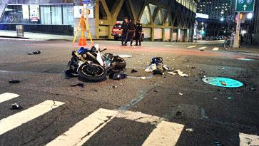 Motorista dominicano muere al estrellarse contra un taxista pirata en Alto Manhattan