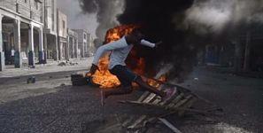 """La OEA dice que """"sigue con atención"""" protestas en Haití contra el Gobierno"""