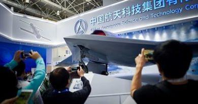 China acopla fusiles AK-47 a sus drones para retar el predominio de EE.UU.
