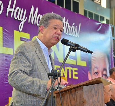 """Leonel Fernández: """"Avanzamos firmes hacia dos millones de inscritos"""""""