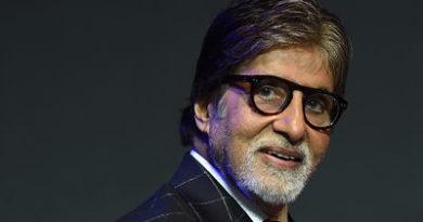 Un actor de Bollywood paga los préstamos de casi 1.400 agricultores que sufren por la sequía