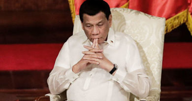 """""""No paguen por estos idiotas"""": Duterte llama a los filipinos a orar en casa en vez de ir a misa"""