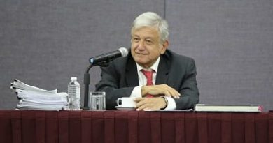 Bolsa mexicana repunta tras declaraciones de López Obrador sobre reforma fiscal