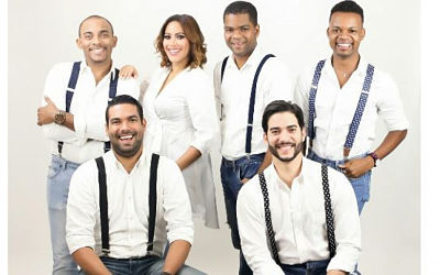 Sheila Acevedo celebra tercer aniversario de programa de radial