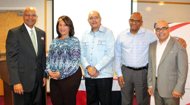 ORLANDO: Index realiza conversatorio sobre la historia de la Constitución
