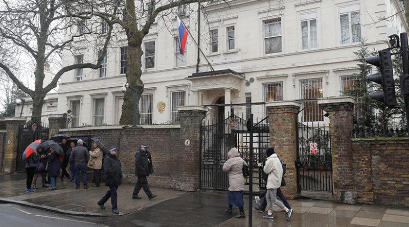 Moscú y Londres acuerdan restablecer parcialmente el personal de sus misiones diplomáticas