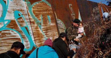 Trump acusa a los demócratas de las muertes de niños migrantes