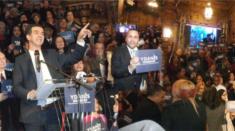 Con masivo apoyo de comunidad y partidos concejal lanza candidatura a Defensor del Pueblo