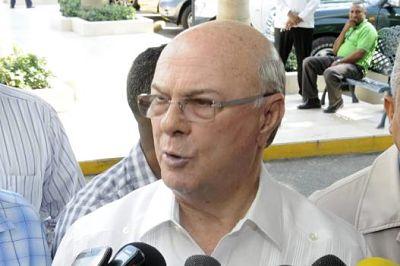 Hipólito dice Danilo no tenía otra opción sobre el Pacto Migratorio