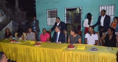 Leonel Fernández cena en la Jeringa de San Cristóbal