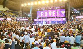 Leonel pide que el gobierno respete la Constitución