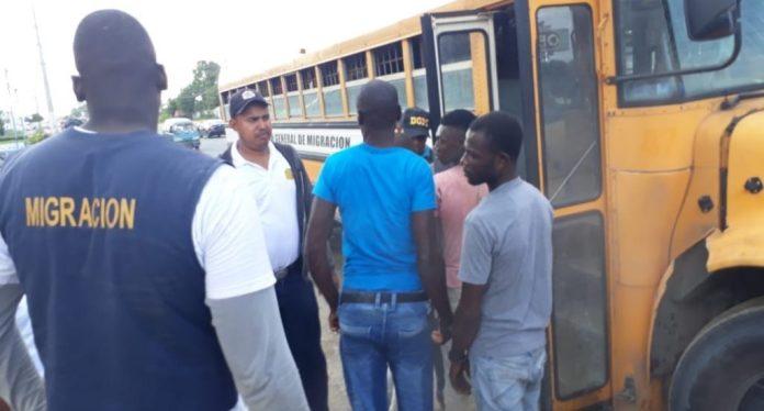 Migración revela que detuvo a 523 extranjeros en operaciones de interdicción