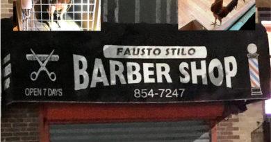 Un peluquero dominicano arrestado por peleas de gallos en su barbería de Brooklyn