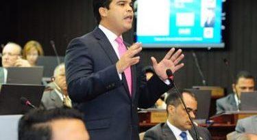 Wellington Arnaud presupuesto 2019pone a disposición del Poder Ejecutivo más de 4 mil millones de pesos