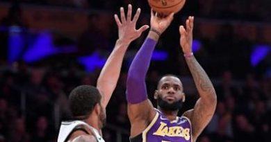 LeBron anota 42, Lakers reaccionan al final y ganan a Spurs