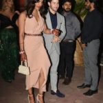 Priyanka Chopra y Nick Jonas asisten a su primer evento público como marido y mujer