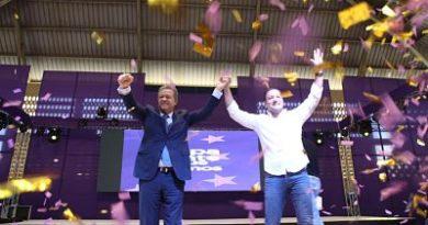 Leonel Fernández afirma que triunfo en el 2020 es seguro; recibe apoyo de Abel Martínez